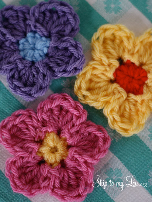 small crochet flower
